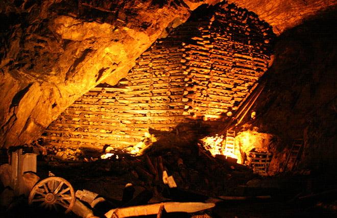 Under jorden i Falu koppargruva. Koolt!